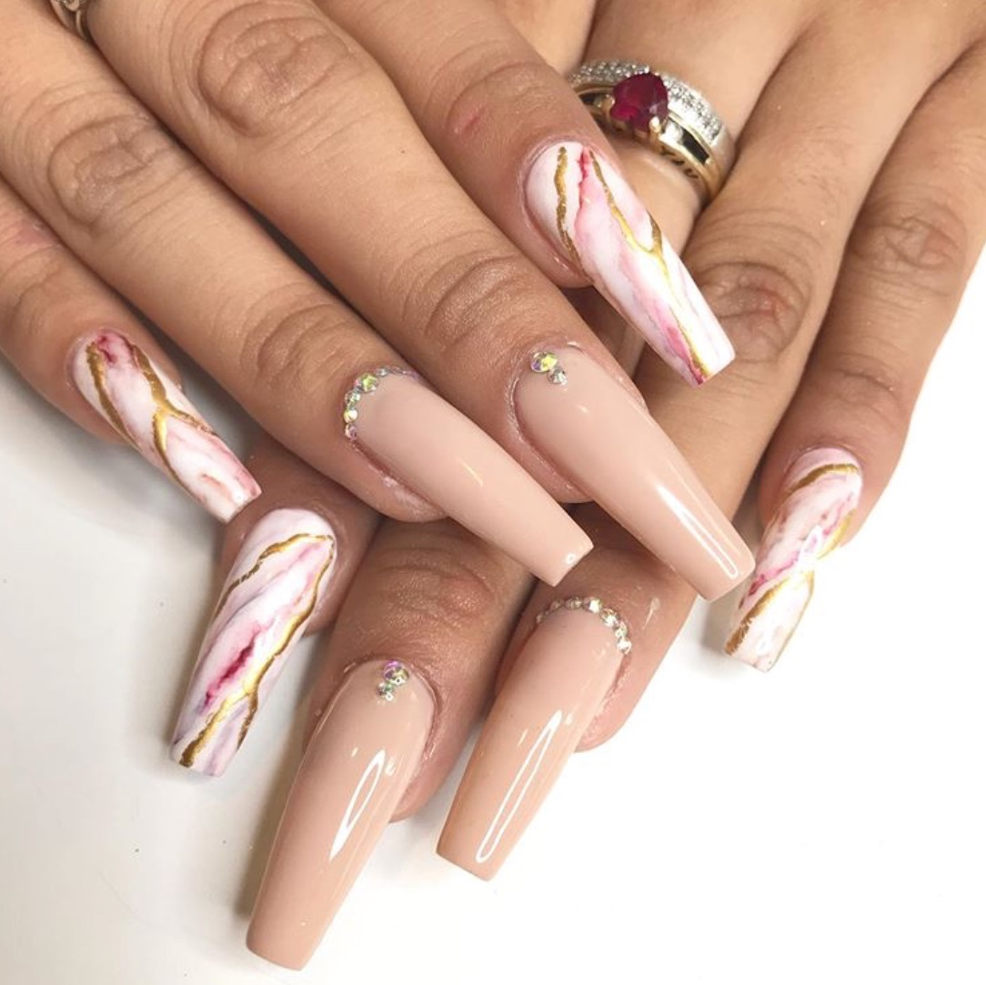 nude marble nails