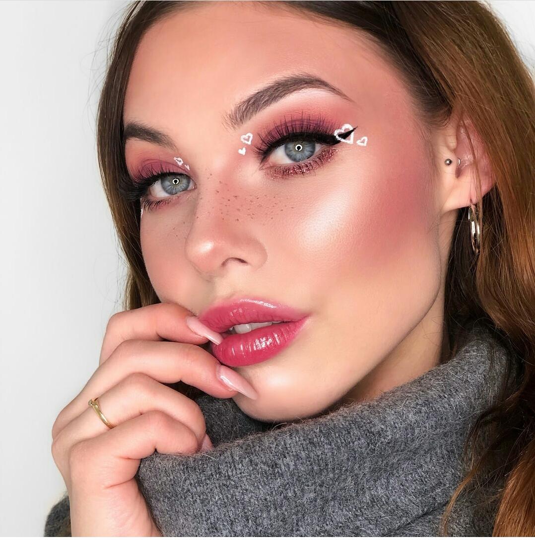 valentine makeup