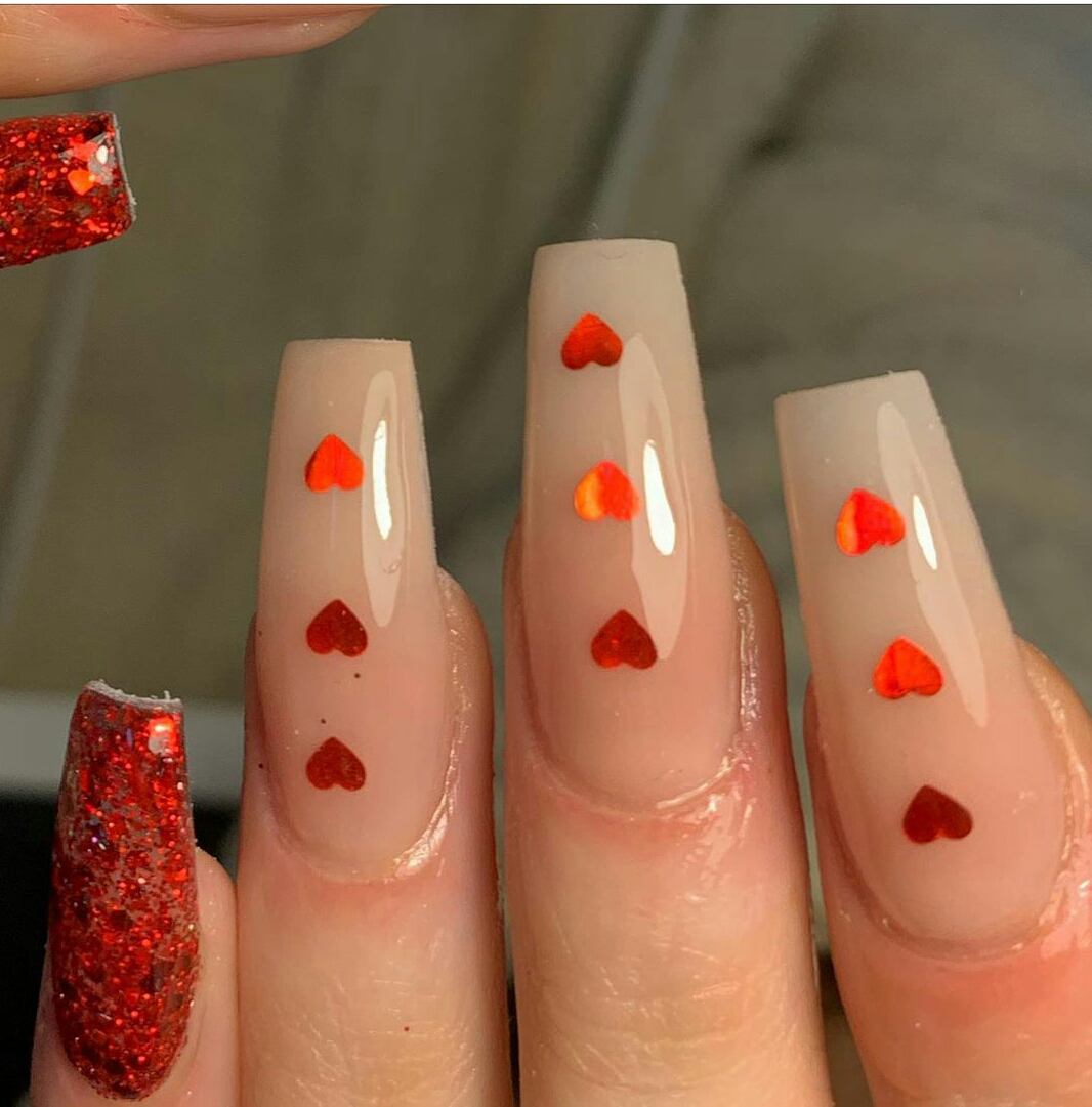 red nail designs