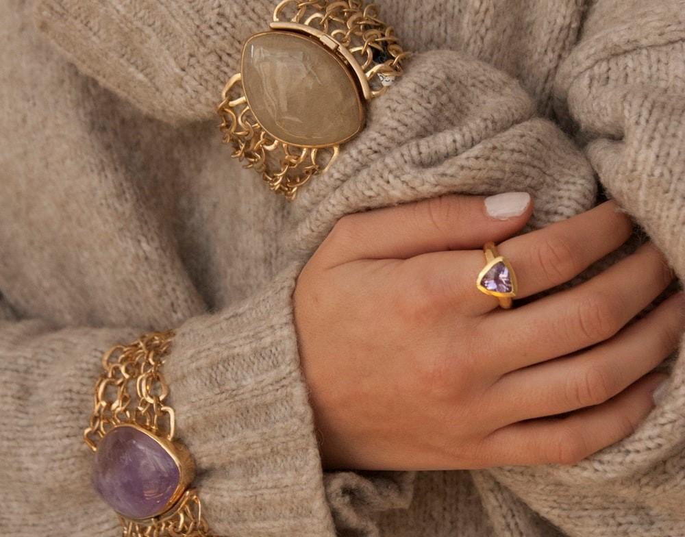 antique jewellery symbols