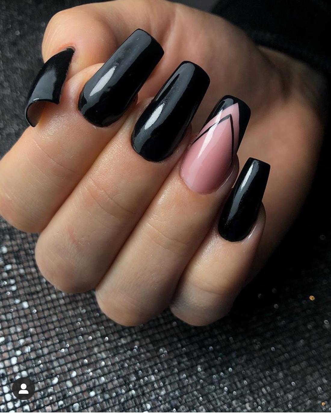 black nail