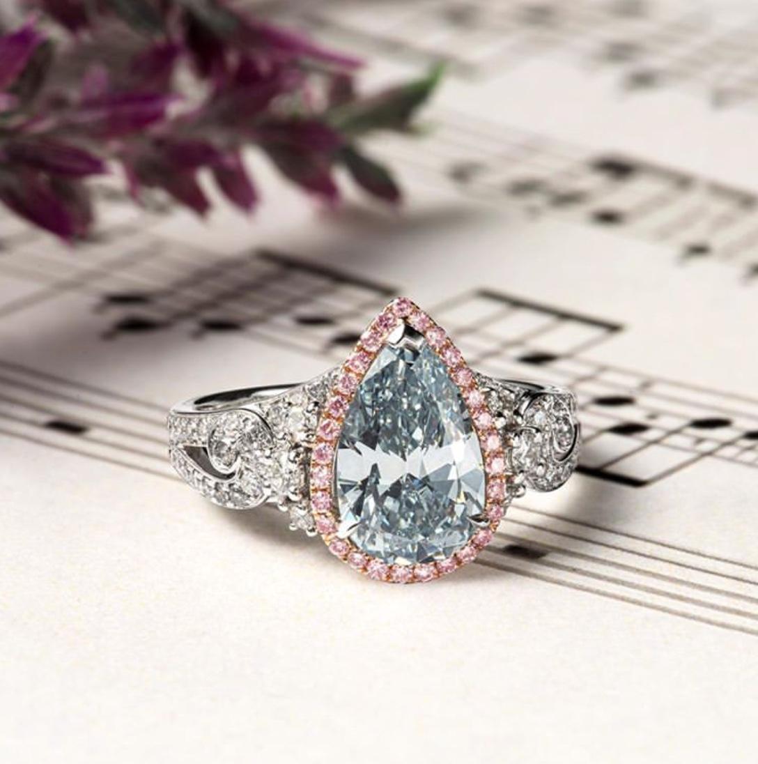 pear shaped diamond engagement rings