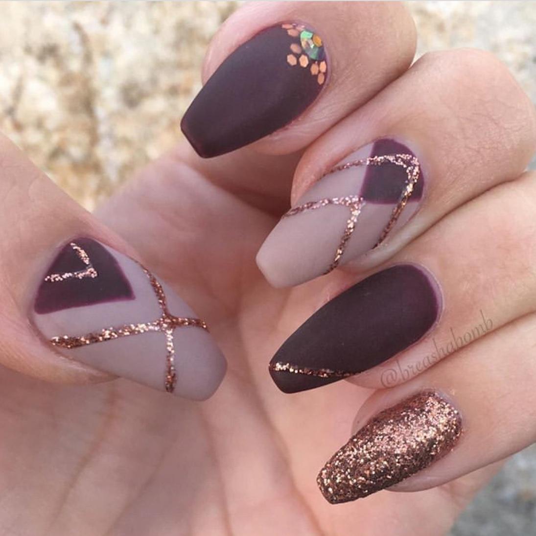 maroon nails