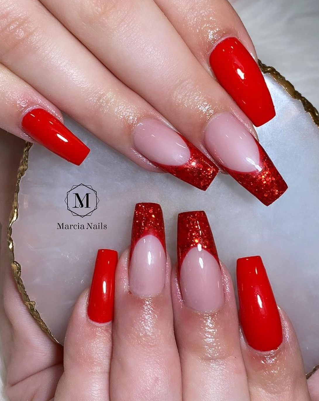 festive red nails