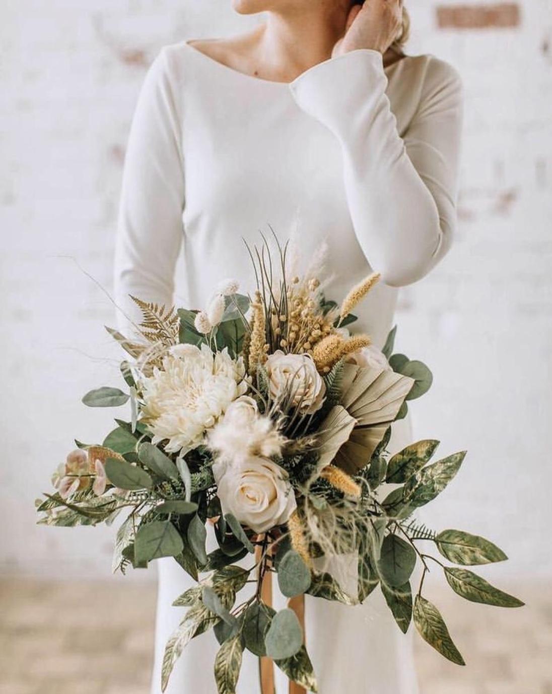 gold wedding bouquet