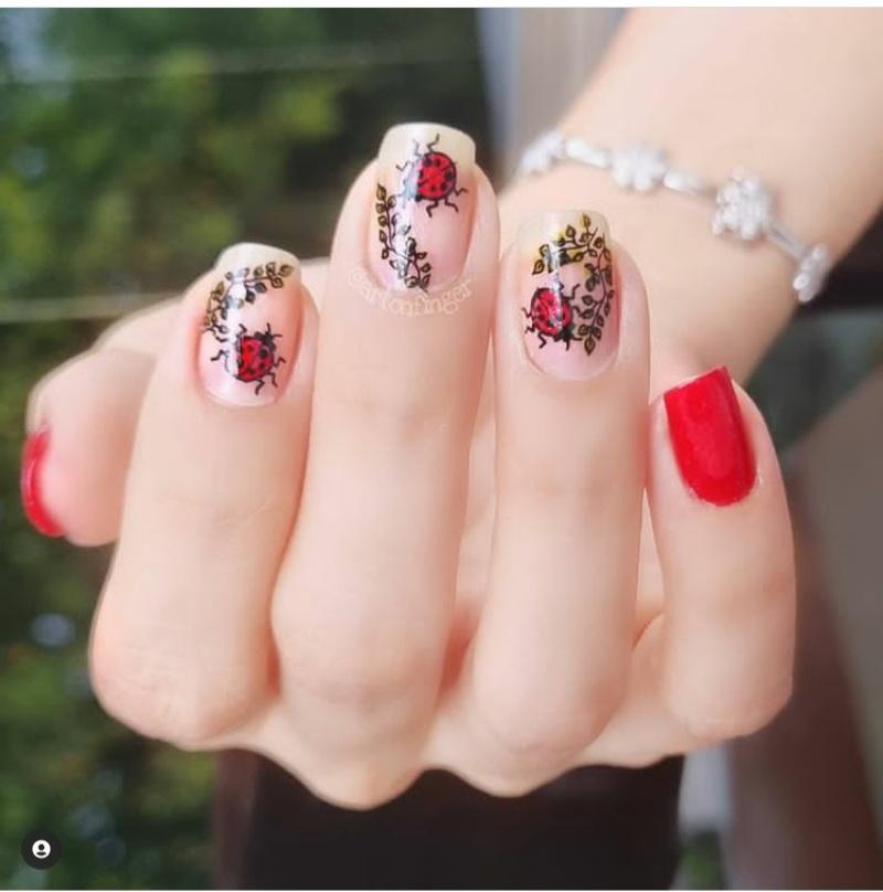 hot red nail designs