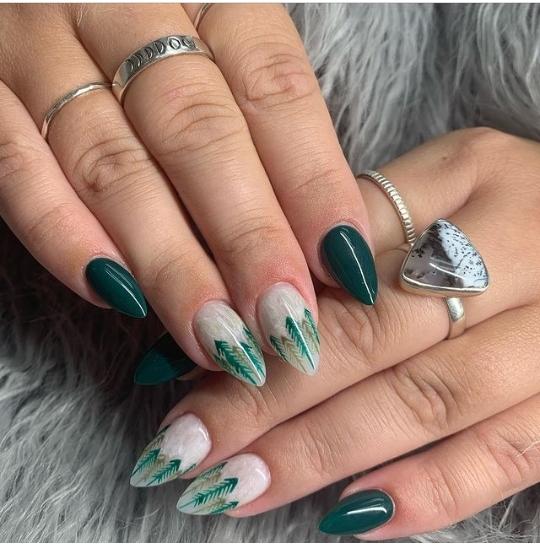 green nail designs