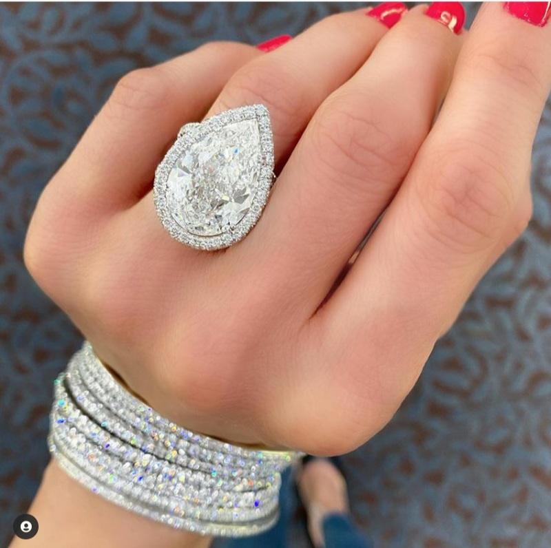 pear-shaped diamond rings