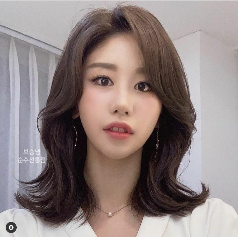 medium-layered hairstyles
